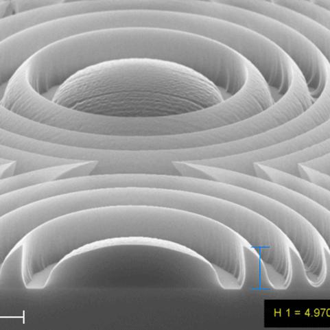 SEM image of a 3D-Fresnel lense array