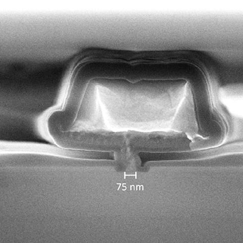 SEM image of a HEMT device